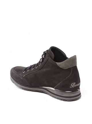 Ботинки замшевые черного цвета