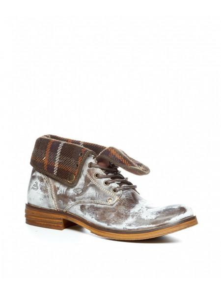 Ботинки демисезонные из кожи белого цвета